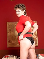 40 Something - Going The Distance - Donna Marie (76 Photos)